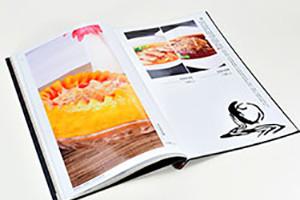 美食画册排版设计 必备的简约美食杂志的设计技巧!